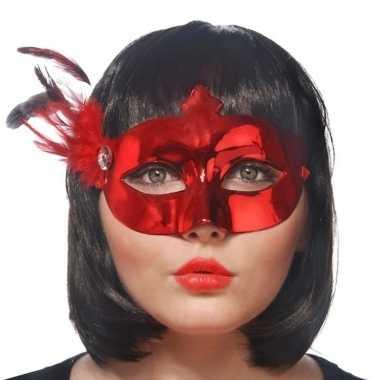 Rood oogmasker met veren voor dames