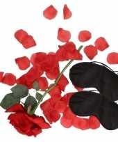 Liefdes verassingspakket zwarte maskers